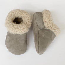 Load image into Gallery viewer, Silver Pine Cozy Mocs