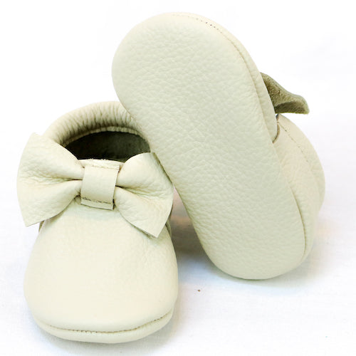 Cream Bow Mocs