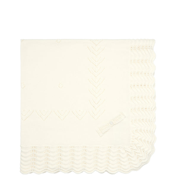 Ivory Scalloped Knit Blanket