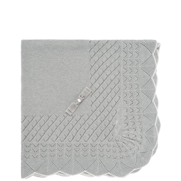 Gray Scalloped Knit Blanket