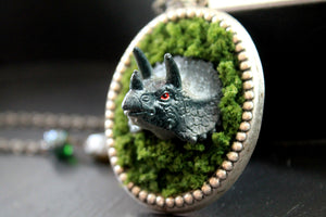 Dino in moss necklace, dinosaur, triceratops, kitsch, harajuku, jewelry