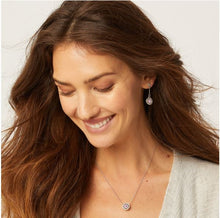 Load image into Gallery viewer, Illumina Petite Necklace Pink