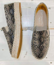 Load image into Gallery viewer, Peaches Natural Snake Shoes