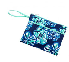 Load image into Gallery viewer, Maliblue Zip Wristlet