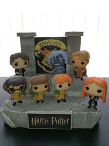 HARRY POTTER HOGWARTS COURTYARD DISPLAY FUNKO POP DORBZ MYSTERY MINIS PINT SIZED HEROES