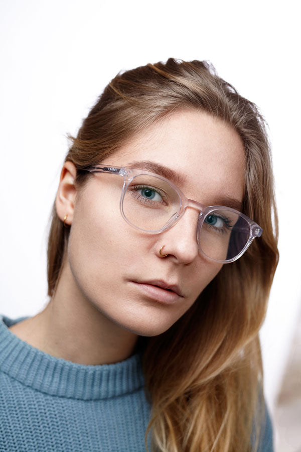 Anna Beerends wearing LUMES blue light blocking computer glasses Danvers model