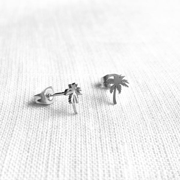 Iconic Single Studs in Silver