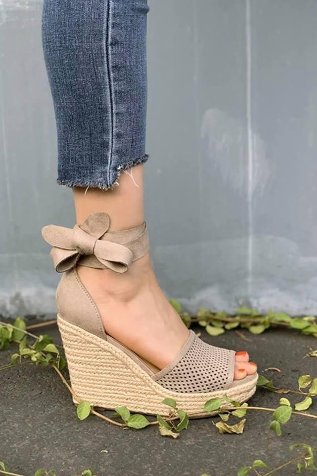 Clay Bow Wedge Heels