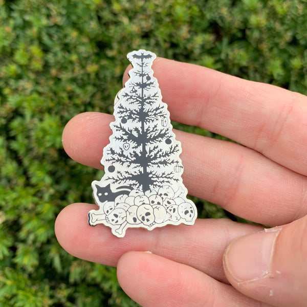 Black Christmas Tree Metal Pin