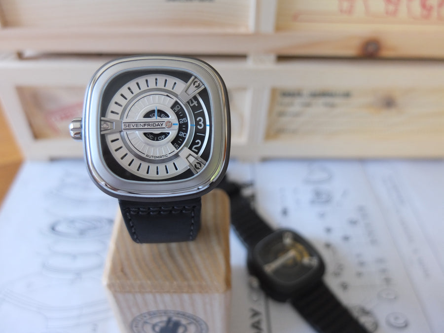 SEVENFRIDAY M1/01: TURBINE
