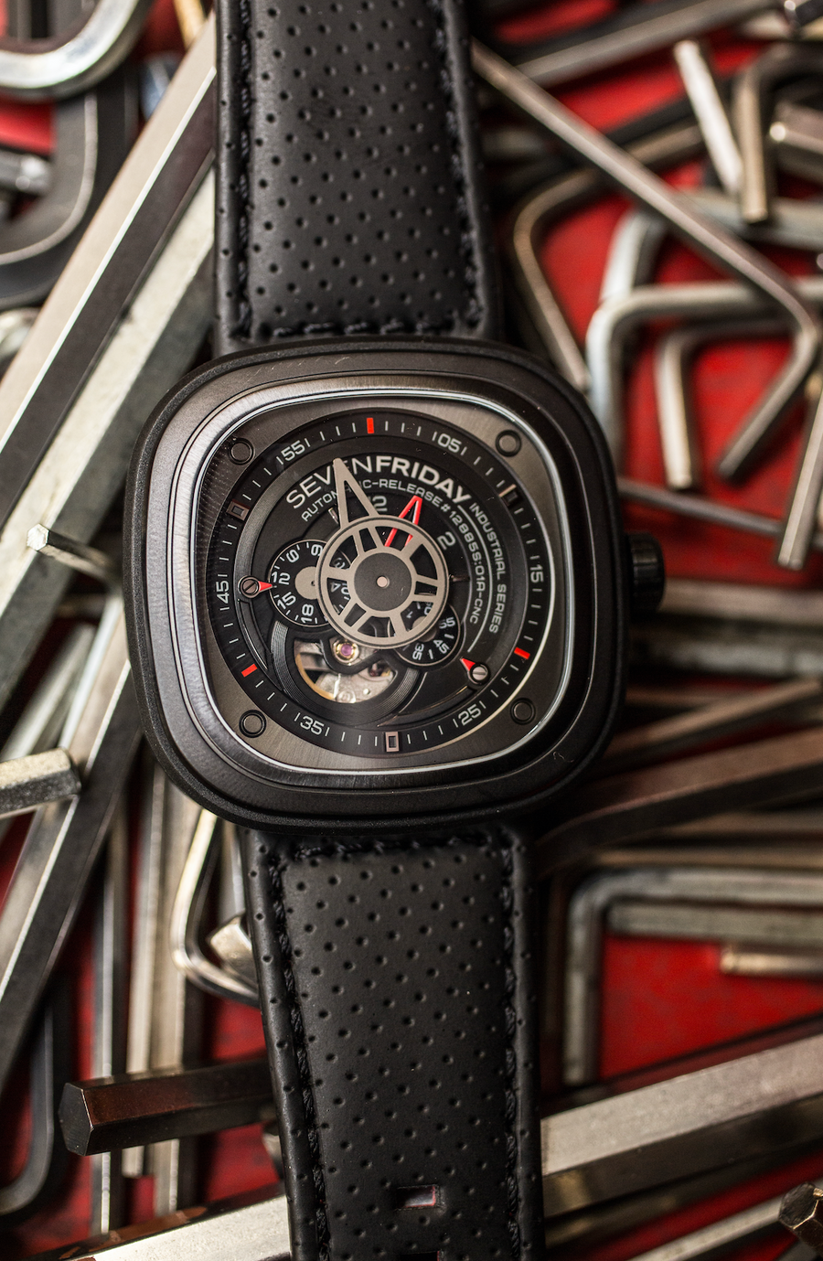 SEVENFRIDAY P3/01 : THE RACER THAT STARTED IT ALL