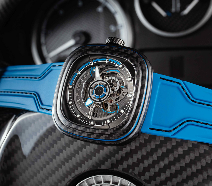 SEVENFRIDAY S3/02 CARBON LIMITED EDITION