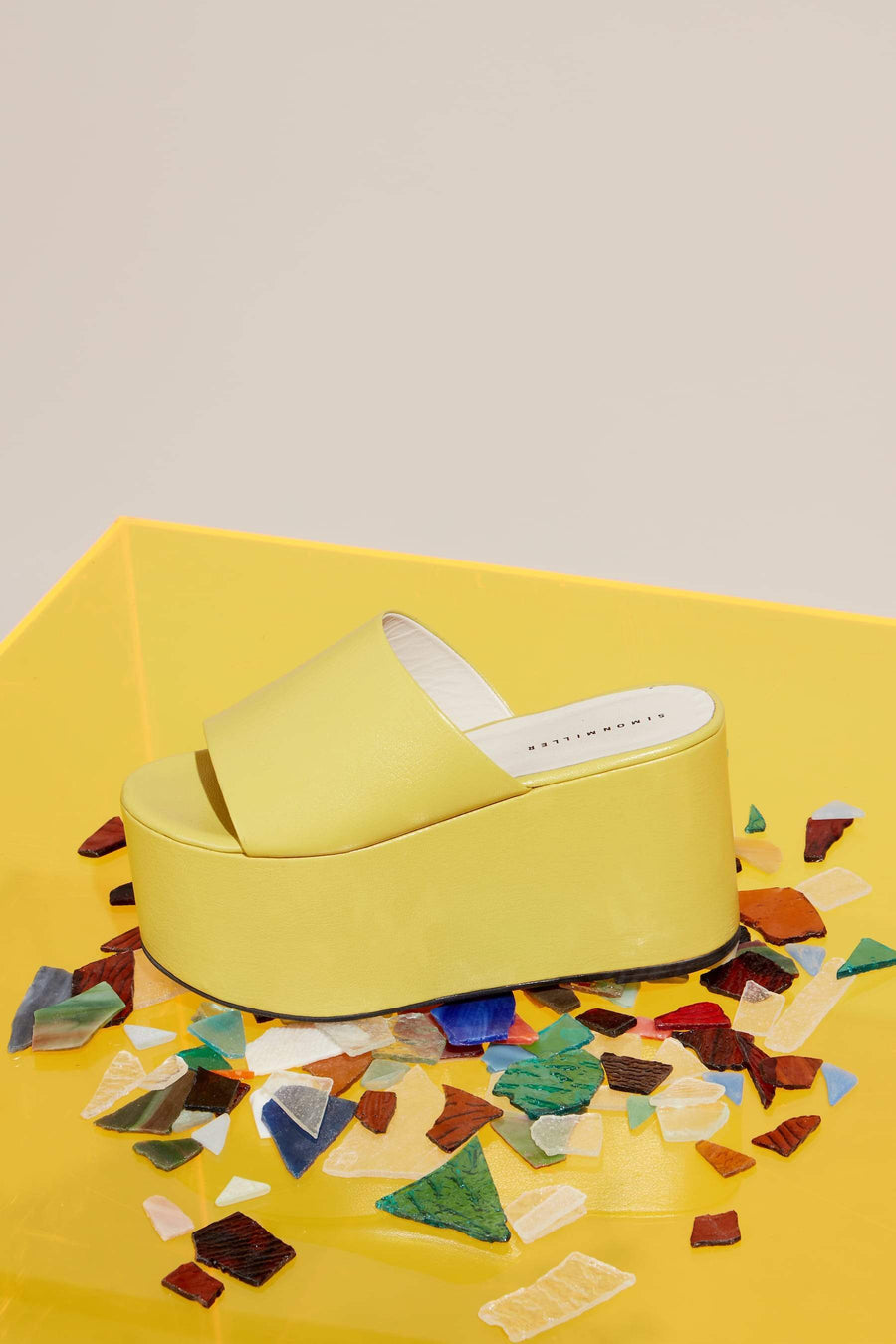 Blackout Platform in Sea Lemon