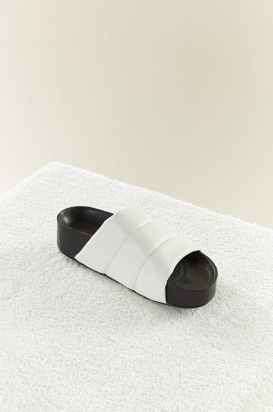 VEGAN LEATHER Dip Slide in White