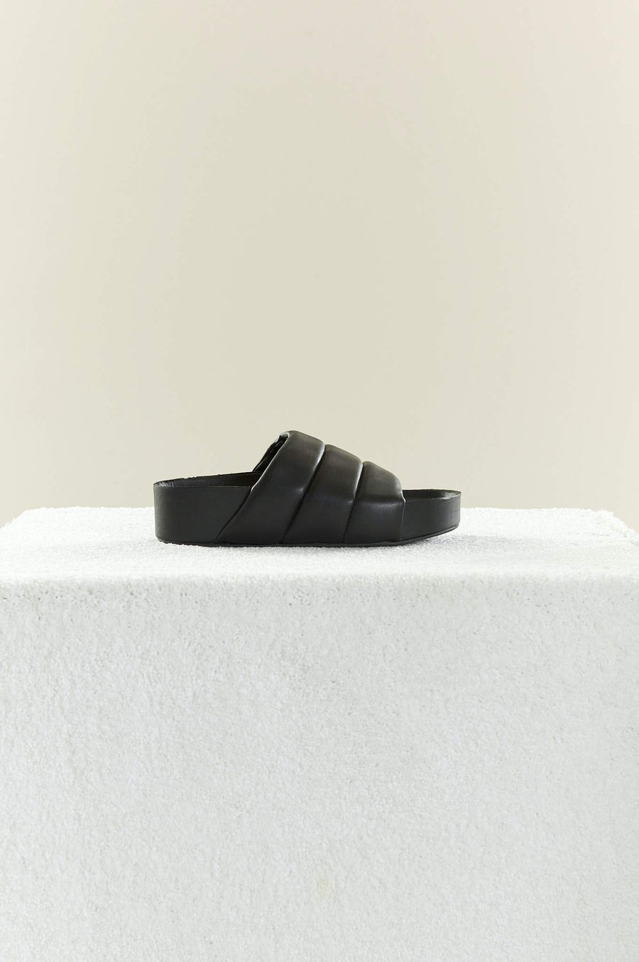VEGAN LEATHER Dip Slide in Black