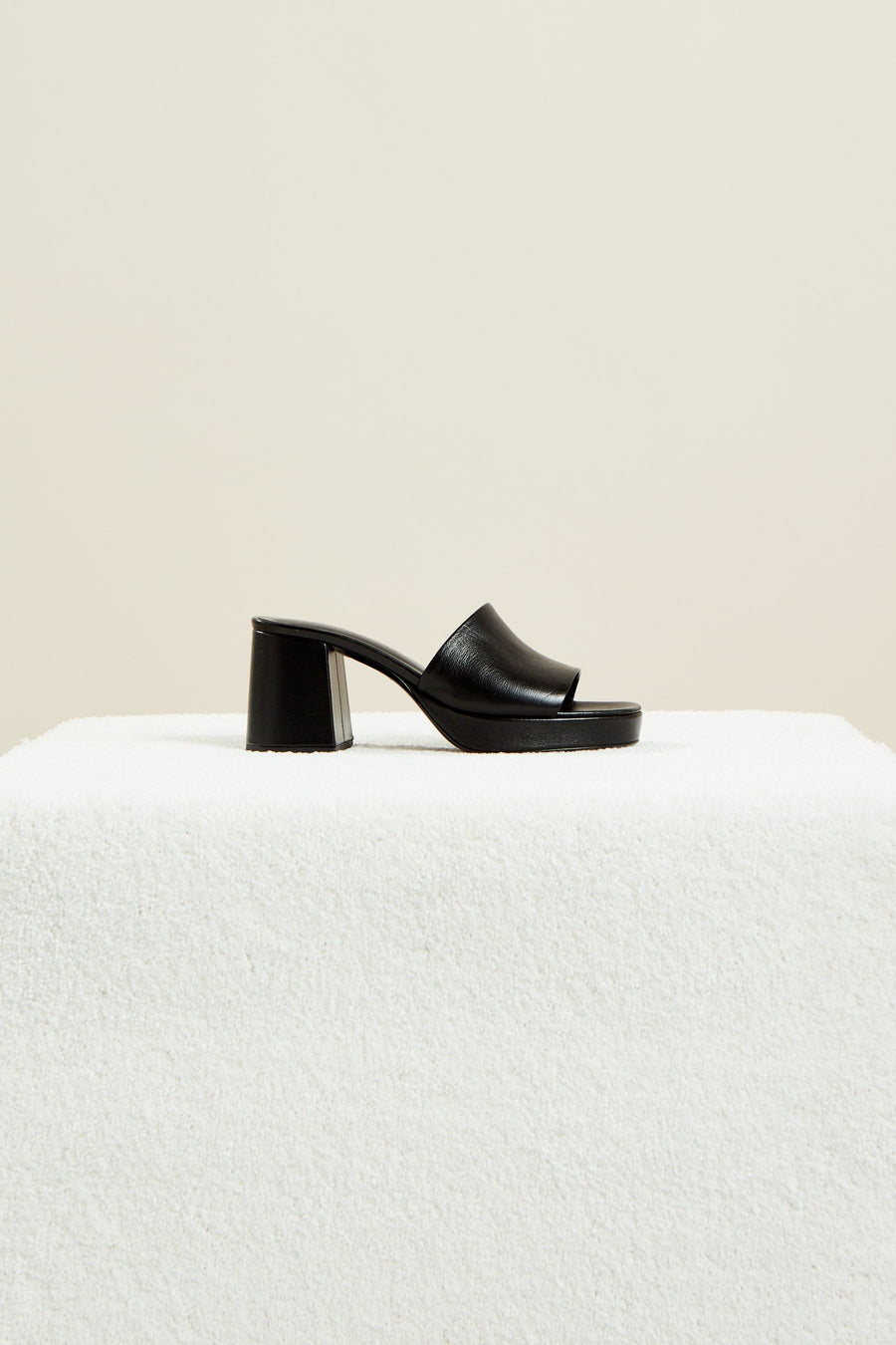 Stopper Heel in Black
