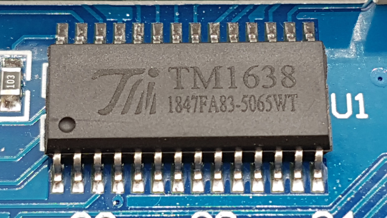 8 Bits TM1638 LED Digital Module Tube 8 Keys - ThinkRobotics.in