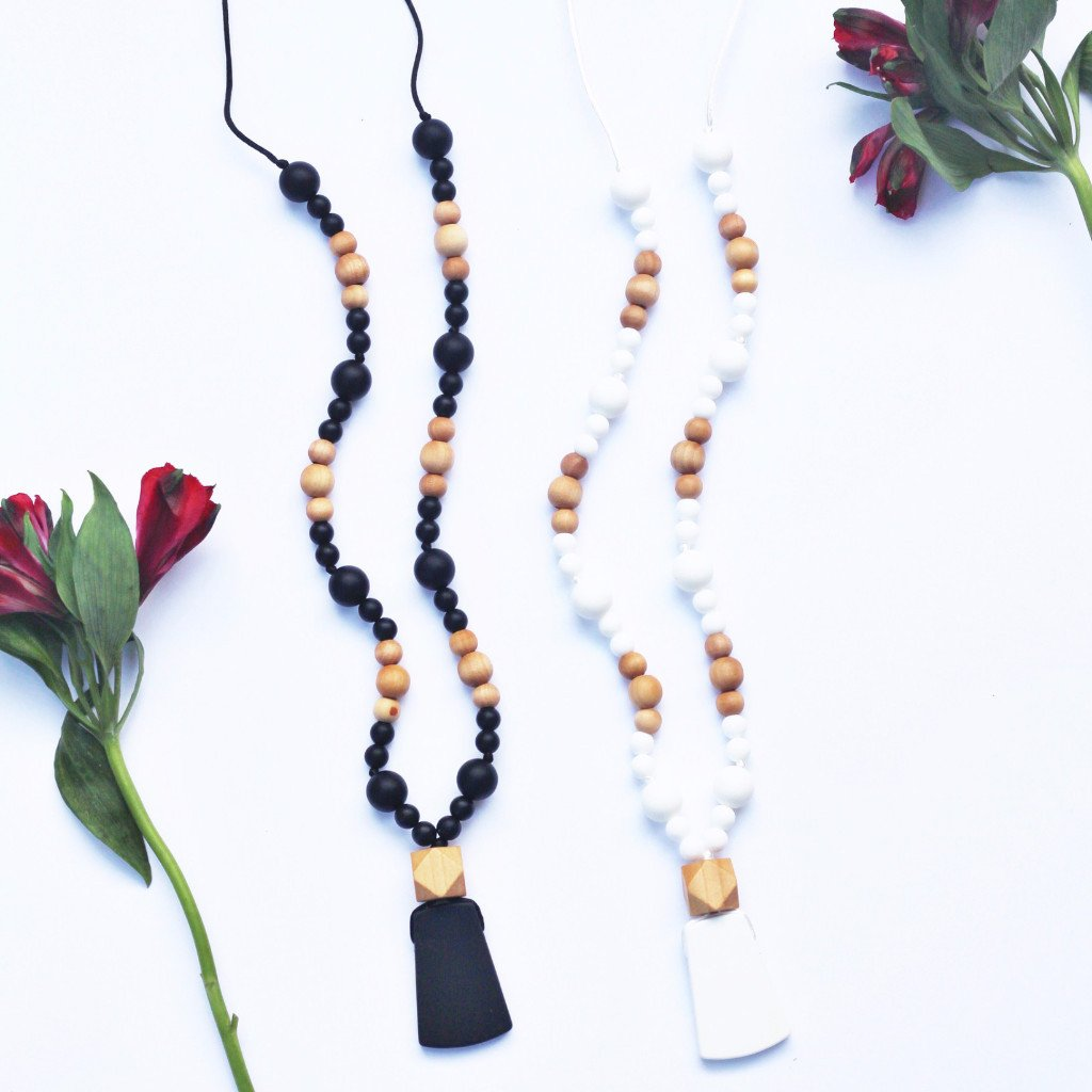 BayBee Mala-inspired Silicone Teething Necklace with Natural Wood
