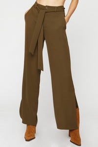 Seasonal Refresh Pocketed Pants