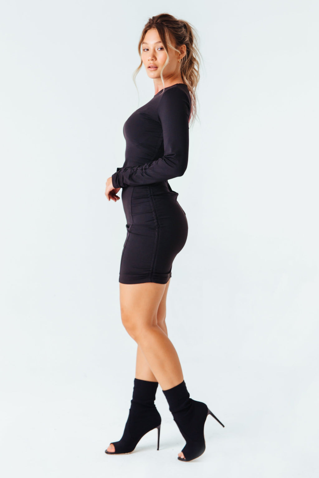 Je Ne Sais Quoi Dress in Black