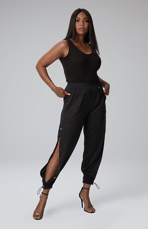 Savannah Snap Leg Pant in Black