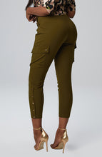 Load image into Gallery viewer, Seraya Utility Pant in Olive