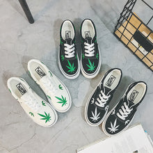 Load image into Gallery viewer, Low Top Canvas Premium Leaf Sneakers
