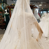 Long White Elegant Ball Gown With Veil Wedding Dress