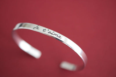 Je t'aime Bracelet, close up