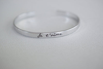 Je t'aime Bracelet, view from front