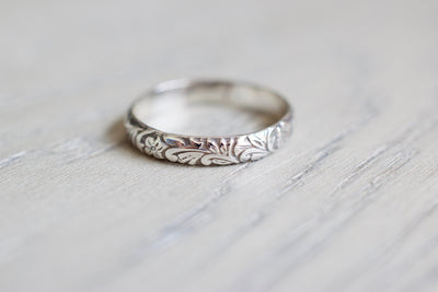 Floral Ring, wood background