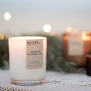 CLASSIC WHITE CANDLE - with Timber Lid