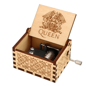 NEW QUEEN Engraved Hand Cranked Wooden Music Box