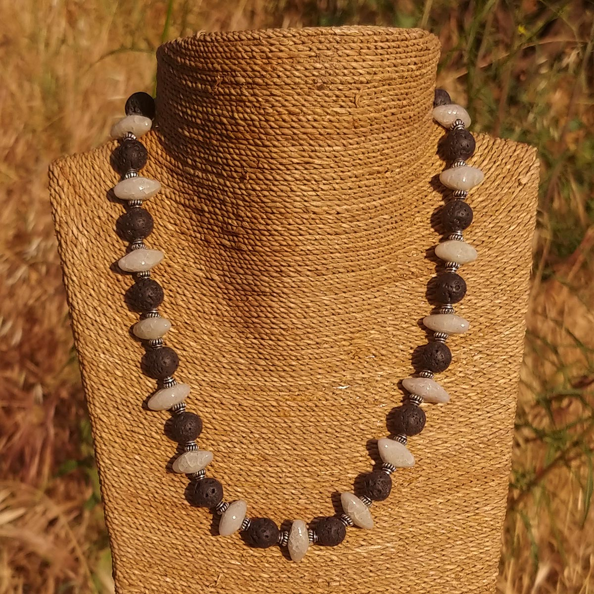 "Women's Necklace in Ivory Faience ""Croc Teeth"" and Black Lava - Em Hotep Collection"