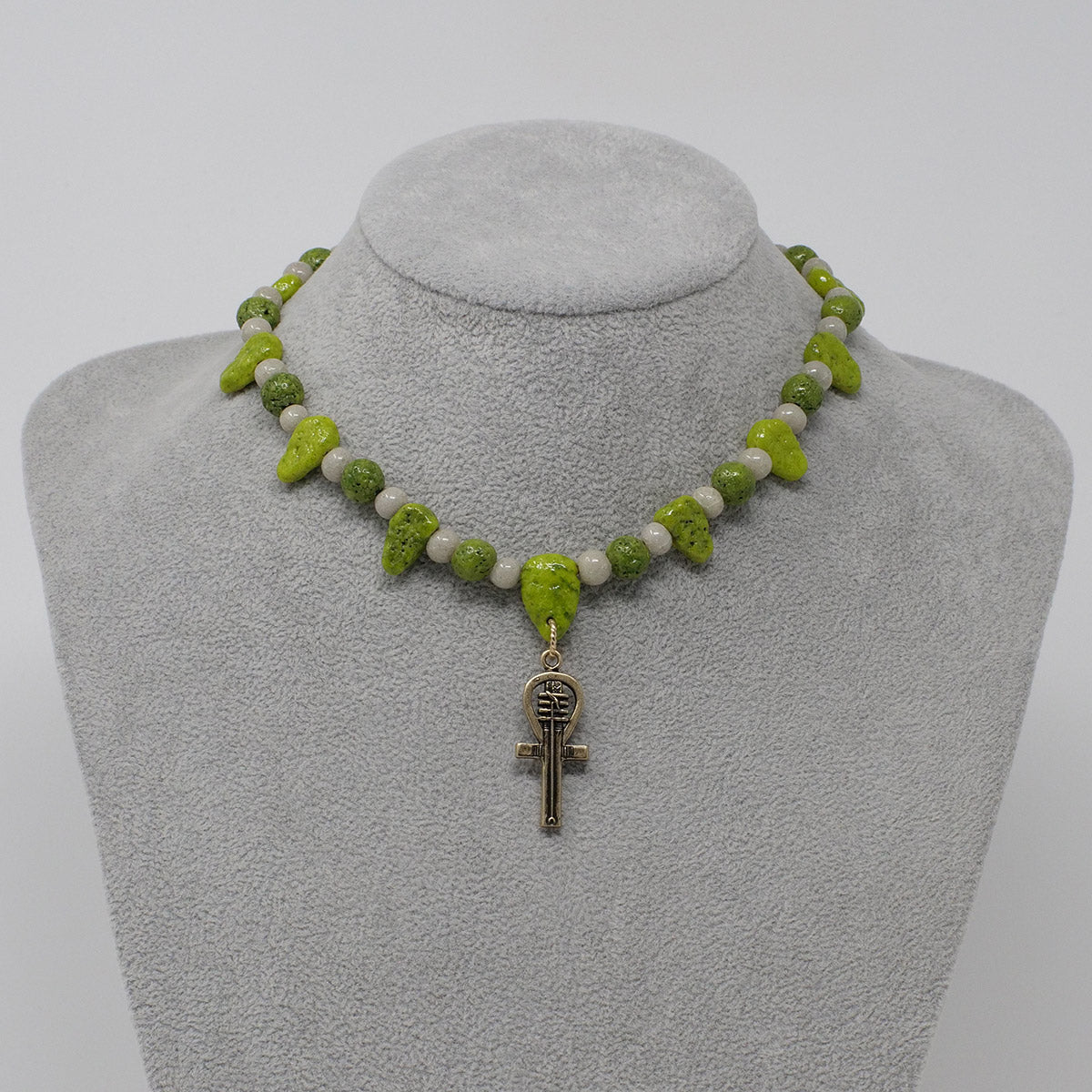 "Choker necklace in Gold with ""Wadj Green"" & ""Luxor Pearl"" Faience Beads"