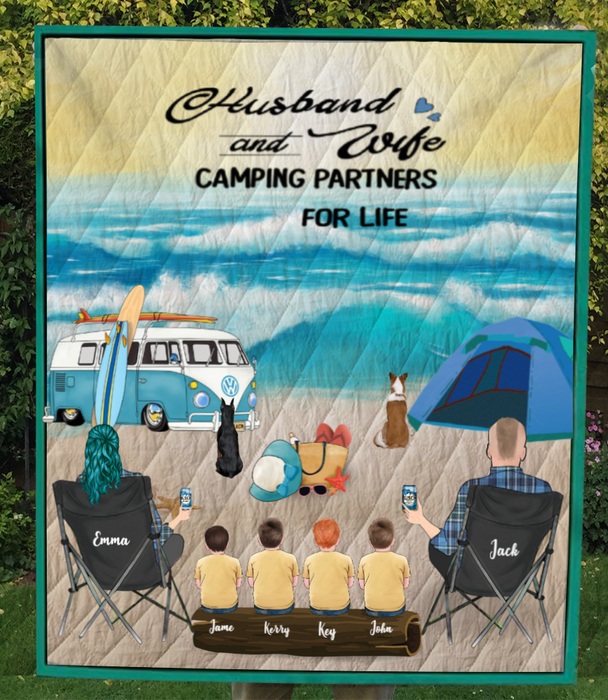Personalized dog & owners camping blanket gift idea for the whole family, dog lovers - Parents, 4 Kids & 2 Dogs beach camping quilt