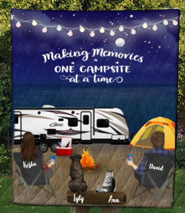 Personalized cat, dog & owners camping blanket gift idea for the whole family, cat dog lovers - 2 Pets & Couple night beach camping quilt