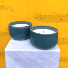 Load image into Gallery viewer, Soy Candle - Melon and Violets