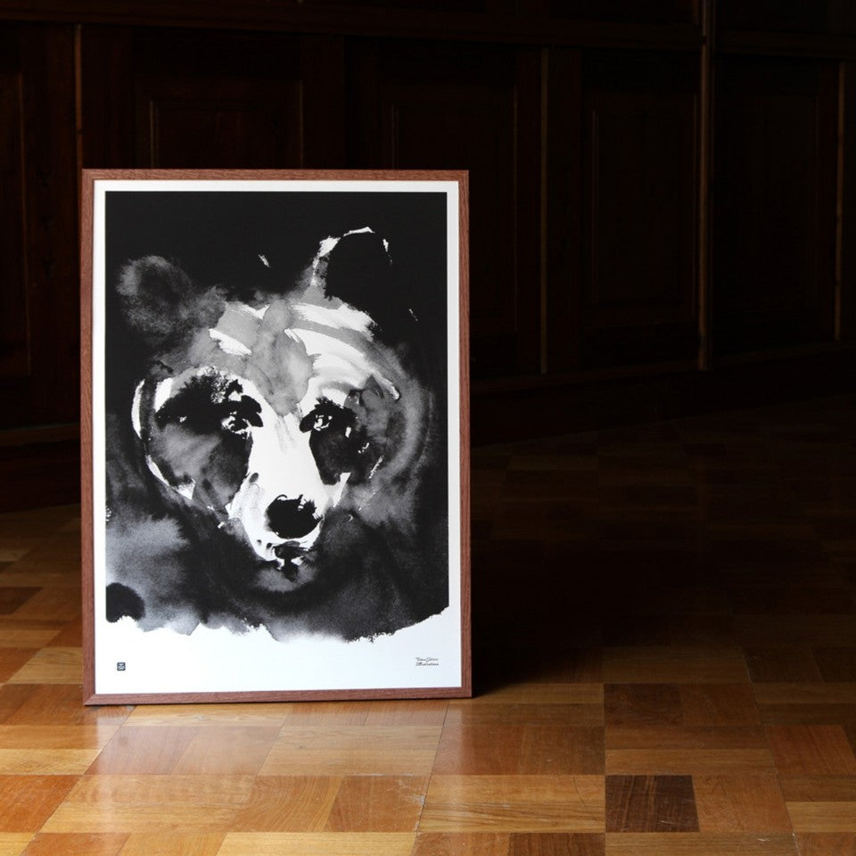 Teemu Jarvi Illustrations mysterious bear in black and white