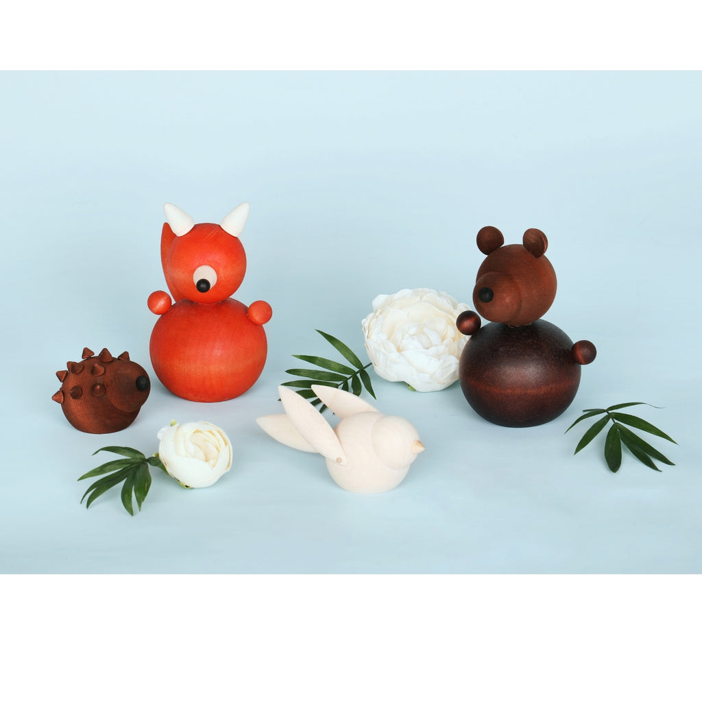 Aarikka brown SIILI HEDGEHOG with white TIAINEN CHICADEE, red REPOLAINEN FOX and brown OTSO BEAR maple animal family figurines