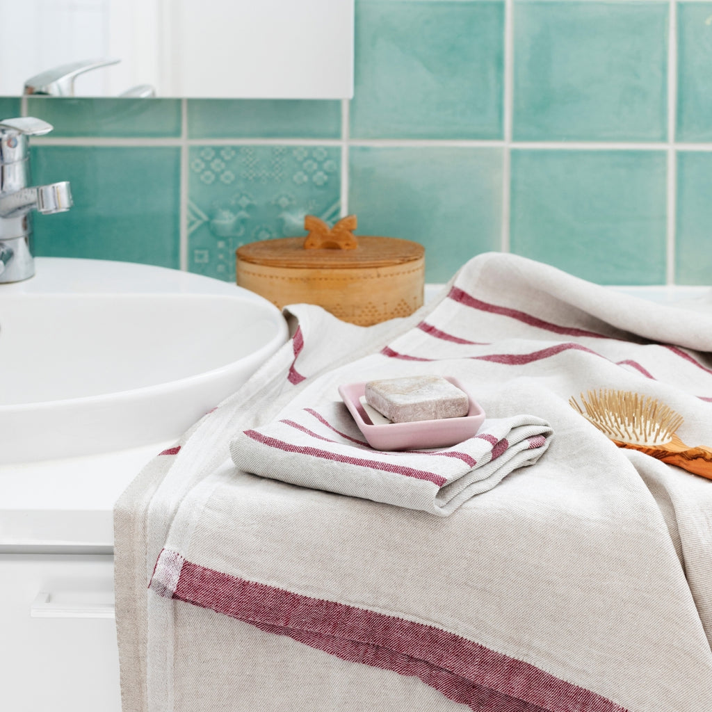 Lapuan Kankurit USVA Bath Sheet (100 % linen) Linen-Bordeaux color inspiration