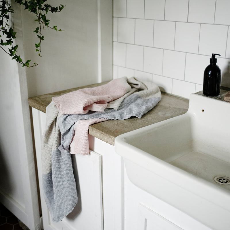 Lapuan Kankurit TERVA linen-tencel bath sheet rose grey