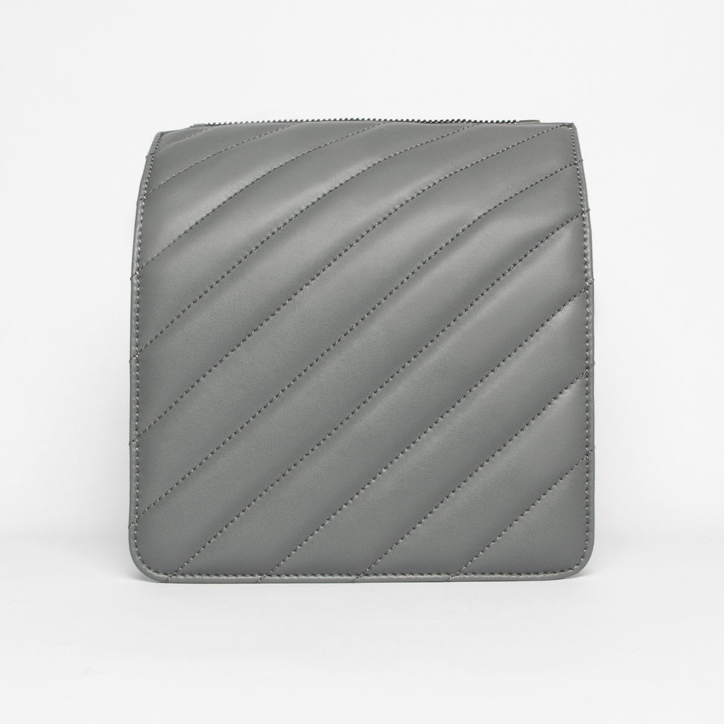 Quilted Diagonal Face in Grey
