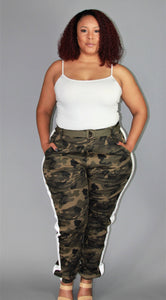 PLUS SIZE-SHIELDS WHITE LINED CAMO JOGGER