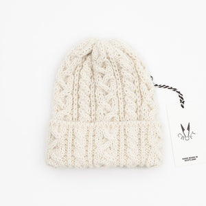 Croft Cable Knit Hat - Alpaca / British Wool arran / white