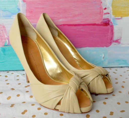 100% Authentic GIUSEPPE ZANOTTI Beige Leather Peep Toe Classic Pumps Sz 40 Heels