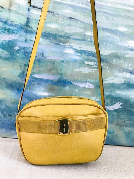 $900 SALVATORE FERRAGAMO Yellow Leather Crossbody Shoulder Bag Gold Women's SALE