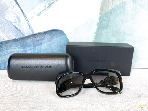 $1000 ALEXANDER MCQUEEN AM0060S Black Square Sunglasses Skull