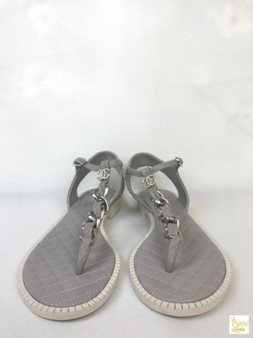 CHANEL Gray Quilted Leather Thong Sandals Sz 38 Flats