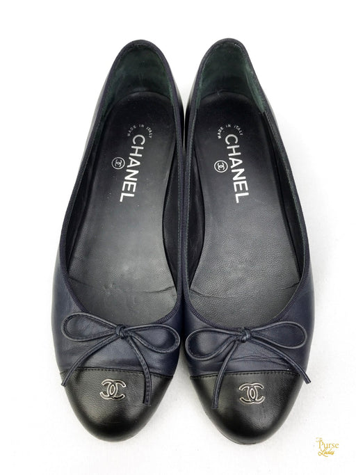 CHANEL Navy Blue Leather Ballet Flats Sz. 38